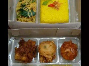 Nasi kuning kemasan kotak super duper lezat siap