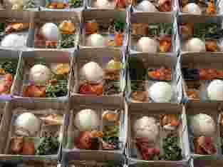 Menerima pasanan nasi box (partai kecil/besar) masakan khas padang pariaman termurah