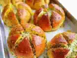 Roti viral korean cheese garlic lumer meleleh