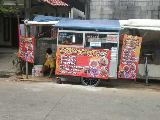 Ayam Penyet di Warung Geprek77 Jln Asrama Divisi 1 KOSTRAD Cilodong Depok