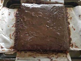 Fudgy brownies with ganache chocolate